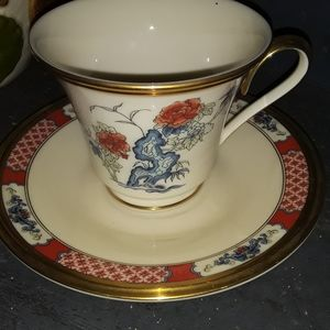 Lenox Teacup and saucer Vintage Red Lacquer Design